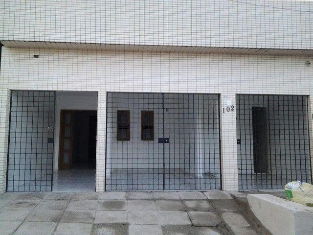Casa na Ur-1 Ibura com estrutura para segundo andar