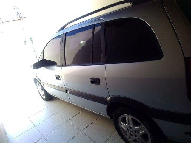 Vendo carro Zafira 7 lugares - Foto 3
