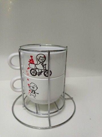 Kit 2 xicaras de café e porta xicara 180ml personalizado, msg, tema namorado - Foto 2