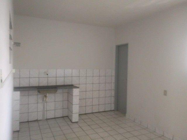 Apto. (1º andar) com garagem   Bairro Maria Auxiliadora   Próximo: Hospital Manoel Afonso - Foto 9
