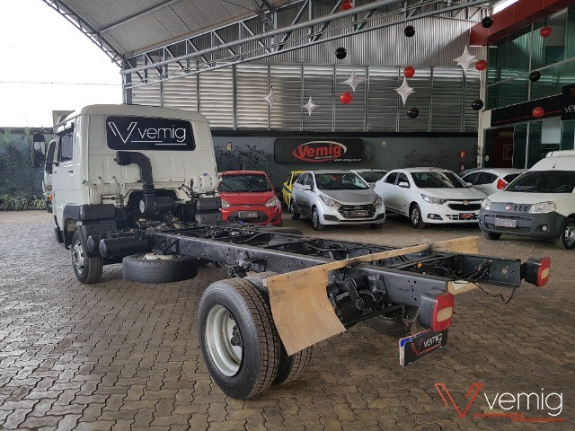 Caminhão 3/4 Volkswagen 10.160 Delivery 4x2 2014 - Foto 6