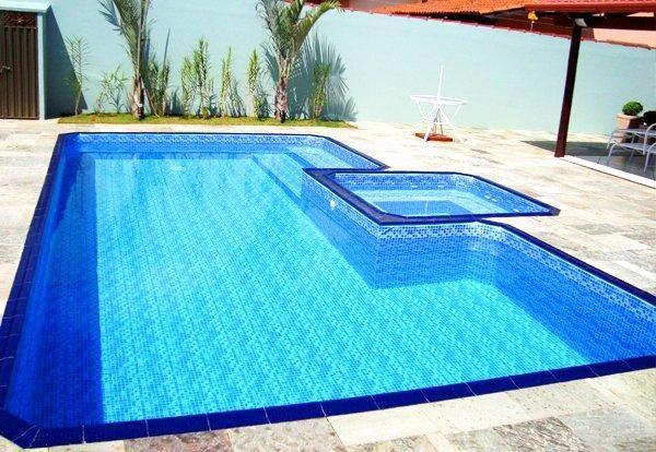 Limpeza de piscina em geral