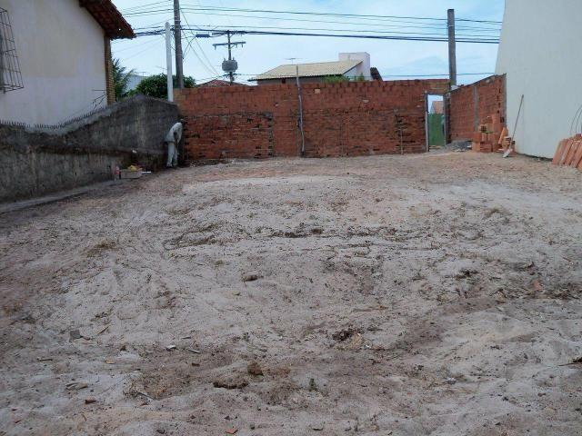 Alugo terreno em piatan perto há um minuto da Praia - Foto 2