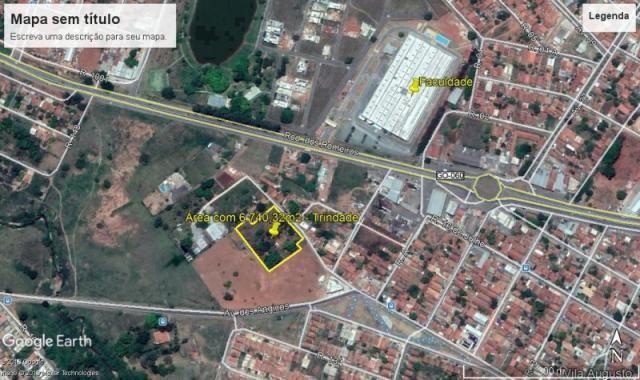 Área com 6740 m² em Trindade