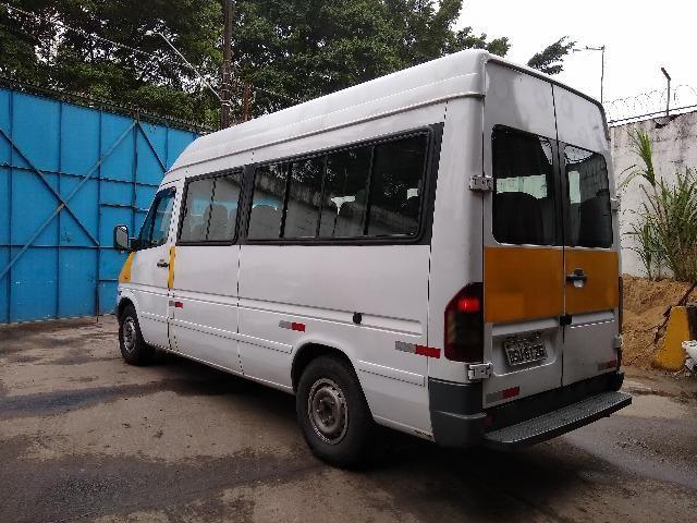 Van Guerra Mercedes Benz 16 lugares Diesel 06/07 doc ok e manutenção em dia - Foto 2