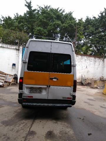 Van Guerra Mercedes Benz 16 lugares Diesel 06/07 doc ok e manutenção em dia - Foto 4