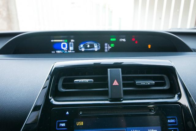 Toyota Prius 1.8 Híbrido 17/17 - Foto 12