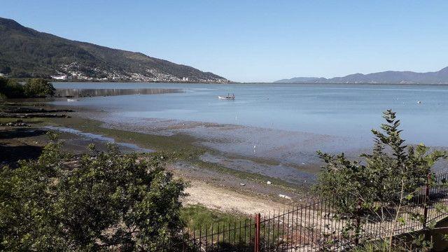 Suítes com vista para o mar próximo a UFSC