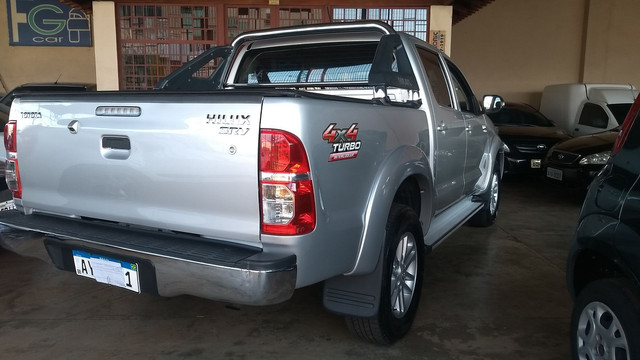 Hilux Srv 3.0 Turbo Diesel At 2014/14 - Foto 11