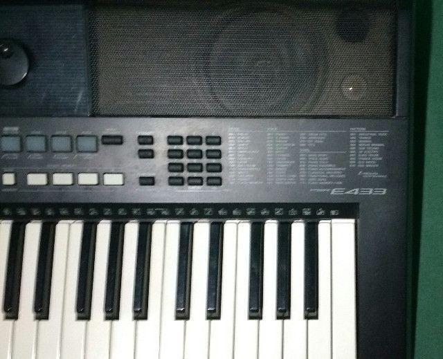 Teclado Yamaha PSR E433 - Foto 2