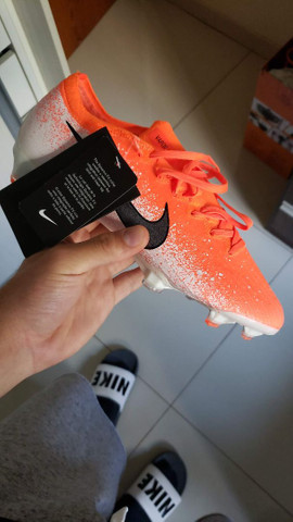 Chuteira Nike Mercurial Vapor 12 Elite