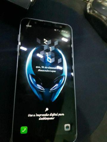 Vendo j8 ou troco por iphone 6s - Foto 2