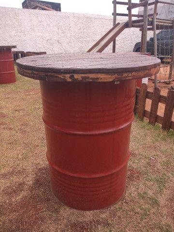 Barris com tampo de madeira