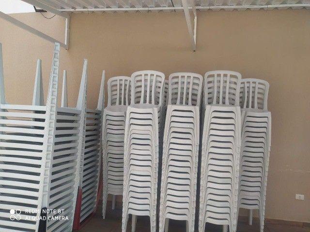 Mesas e cadeiras de plástico de qualidade novas de fabrica - Foto 2