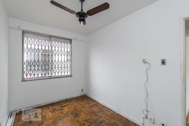 Excelente apartamento 2 quartos, desocupado! Condomínio barato! - Foto 8
