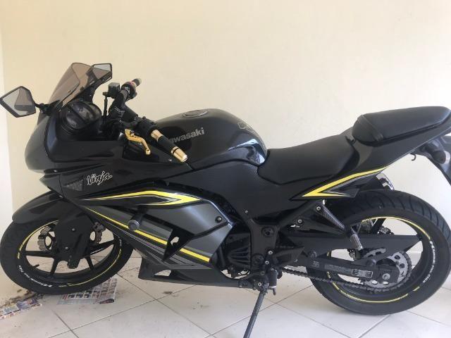Kawasaki Ninja 250R - Edição Especial