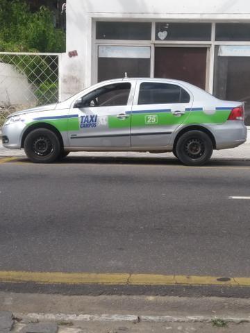 Vendo carro e ponto de táxi