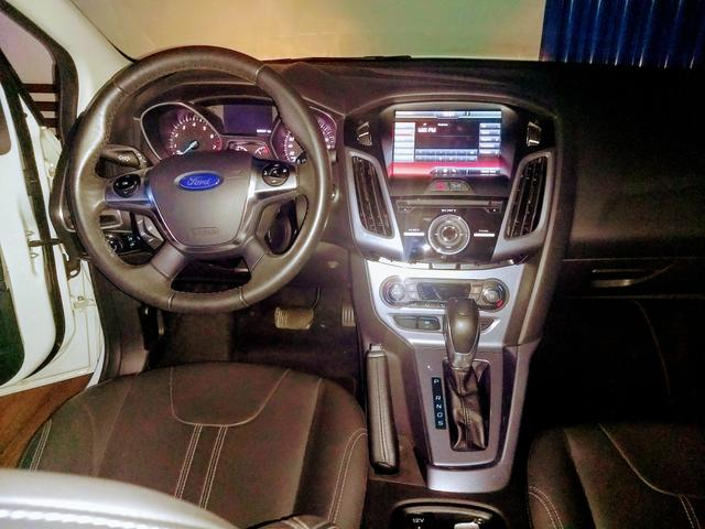 Ford Focus sedã - Foto 10