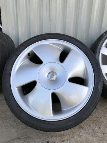 Jogo de roda aro 17 cata vento com pneus 205/40 r17 novo