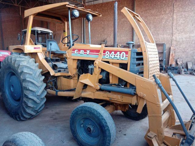 Trator CBT 8440 lâmina - Foto 3