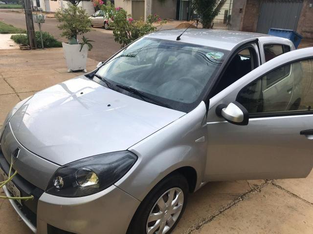 Vendo Renault Sandero 2014 - Foto 2
