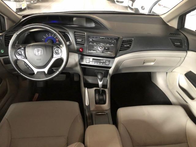 Civic LXR 2015, automático, 32.000km, pneus novos, revisões na Honda - Foto 6