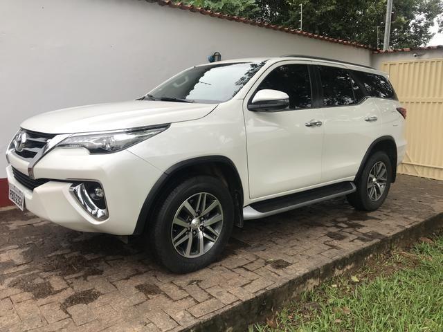 Toyota Sw4 SRX 2.8 / 5 LUGARES / 2018 - Foto 3