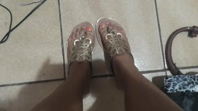 Duas sandalias rasteiras por 25 reais - Foto 4