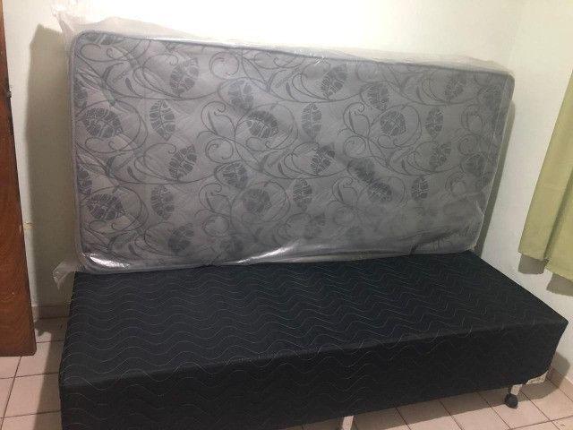 Cama BOX Solteiro - Colchão Ortopédico - Novo/Sem uso (No plástico) - Cor Preto/Cinza - Foto 5