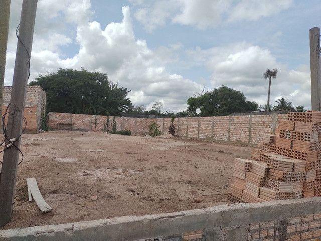 vendo Terreno todo murado e aterrado no bairro vitória régia,próximo rua asfaltada 26x30 - Foto 3