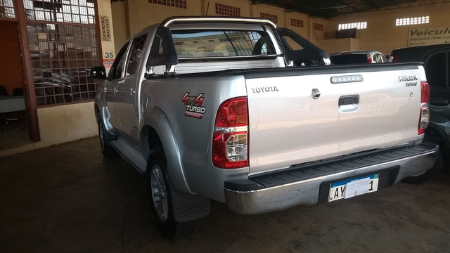 Hilux Srv 3.0 Turbo Diesel At 2014/14 - Foto 9