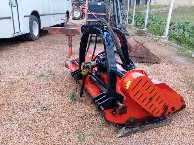 Triturador roçadeira deslocável hidráulico  - Foto 2