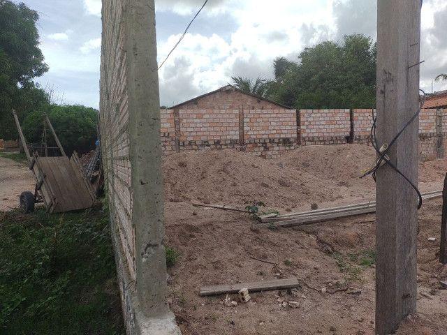 vendo Terreno todo murado e aterrado no bairro vitória régia,próximo rua asfaltada 26x30 - Foto 4