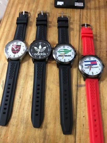 Relógio pulseira em borracha  - Foto 4