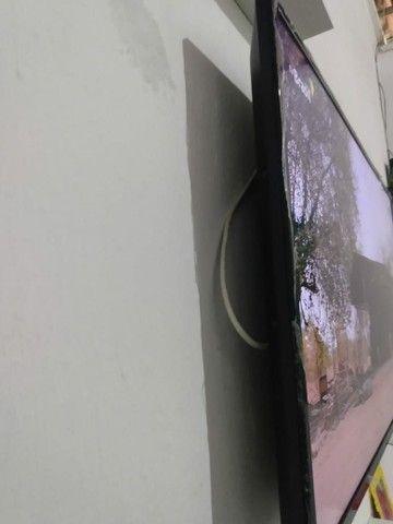 TV smart 43 polegadas AOC semi nova  - Foto 2