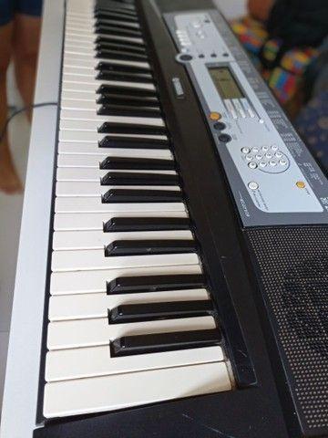 Teclado Yamaha PSR E213 - Foto 2