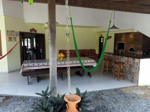 Casa e apartamento 50 mts da (Praia Enseada) c/ar e internet - Foto 15