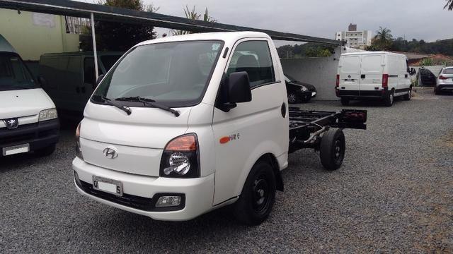 Caminhãozinho, Furgão - HR 2.5 Turbo Diesel, ano 2016, único dono, Joinville SC