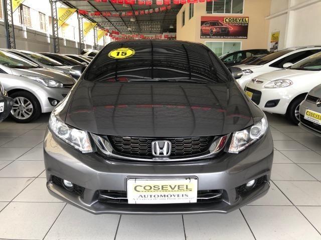 Civic LXR 2015, automático, 32.000km, pneus novos, revisões na Honda
