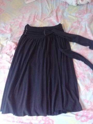 Vendo saias e vestidos usados mas em bom estado tanho outros além desses - Foto 6