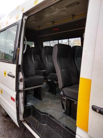 Van Guerra Mercedes Benz 16 lugares Diesel 06/07 doc ok e manutenção em dia - Foto 8