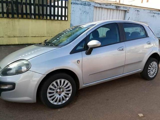 Fiat Punto atracttive Itália 1.4 completo 2013 - Foto 2