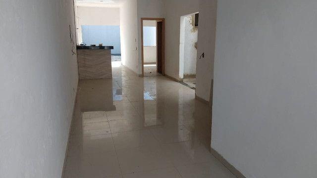 Casa 2 quartos com suíte, não geminadas, acabamento diferenciado - Foto 2