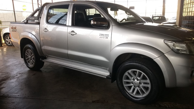 Hilux Srv 3.0 Turbo Diesel At 2014/14 - Foto 7