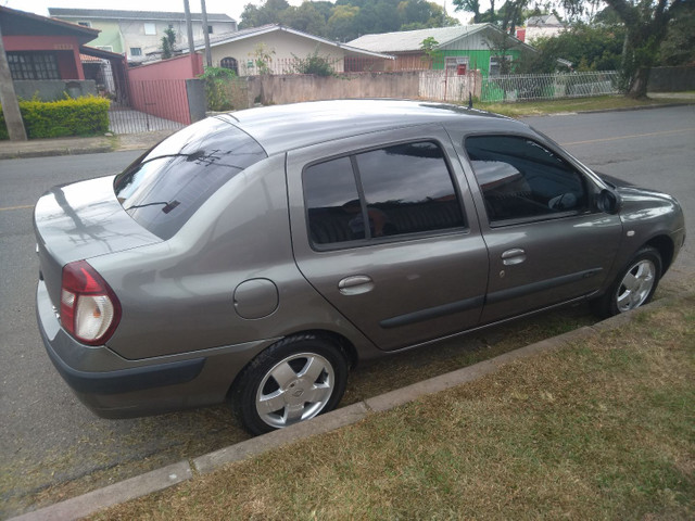 Clio Sedan 1.6 Completo - Foto 13