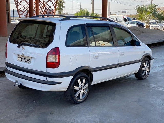 Chevrolet ZAFIRA (Elite) 2.0 16v 4P   - Foto 4