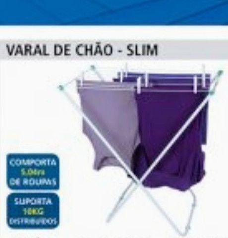 Varral de roupas de piso
