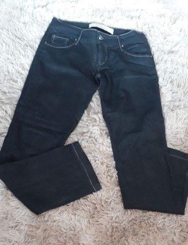 Calça jeans maravilhosa de marca usada 2 vezes super nova número 38 - Foto 4