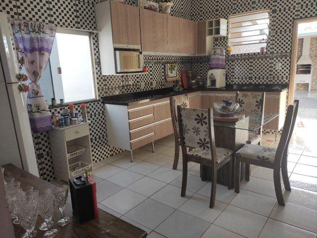 Vendo Casa Semi Mobiliada em ótima localidade - Foto 18