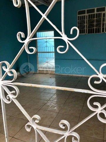 Casa  com 3 quartos - Bairro Jardim das Aroeiras em Goiânia - Foto 4